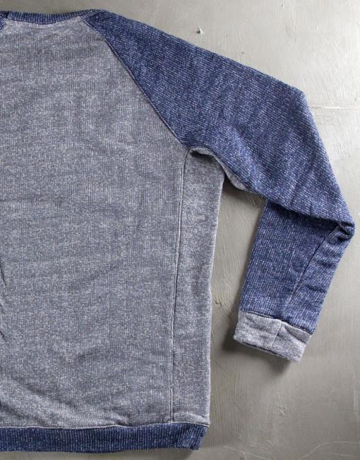 Round Clothing   Felpa Grigia con maniche raglan blu navy